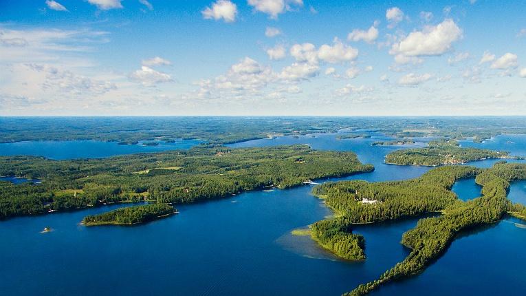 коронавирус в Финляндии затухает сам собой