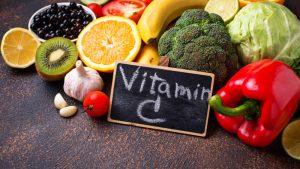 Коронавирус: пришло время опровергнуть утверждения о том, что витамин С может вылечить его